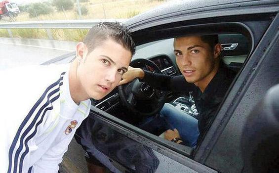 Kembaran Cristiano Ronaldo, Mirip Kan?